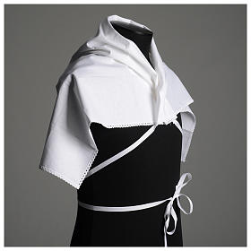 Amict blanc en pur coton avec broderie croix or s5