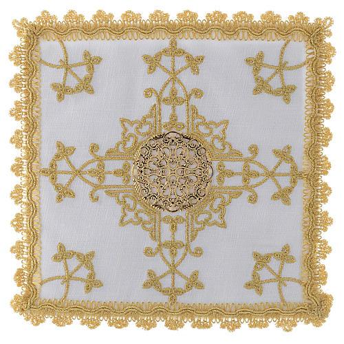 Conjunto de alfaias com cruz dourada em linho 1