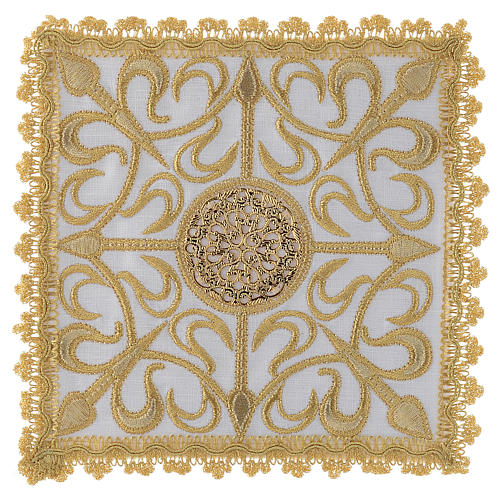 Servizio completo da altare con croce e decori in oro lino 1