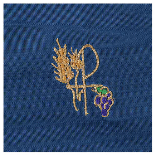 Chalice veil (pall) with Xp, wheat and grapes embroidery on blue fabric 2