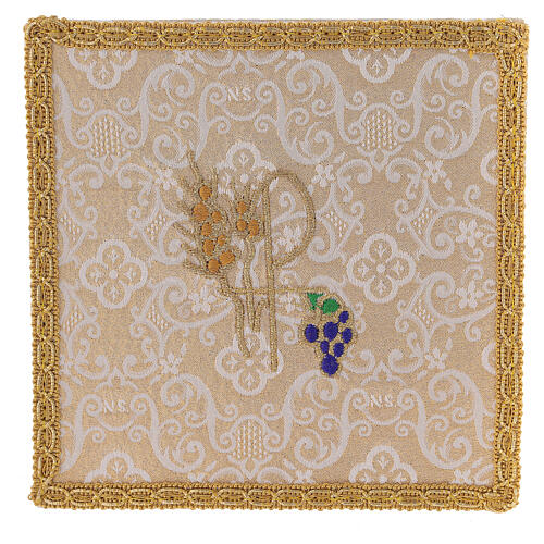 Chalice veil (pall) with Xp, wheat and grapes embroidery on ivory damask fabric 1