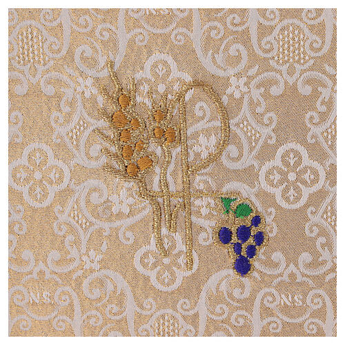 Chalice veil (pall) with Xp, wheat and grapes embroidery on ivory damask fabric 2