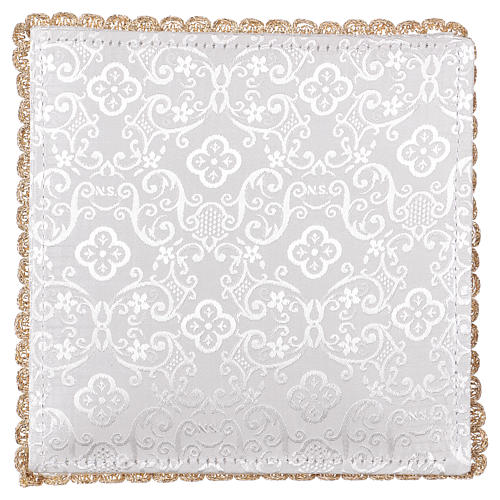 Chalice veil (pall) with chalice and grapes embroidery on white damask fabric 3