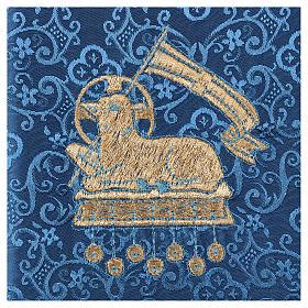 Pale pour calice agneau sur tissu damassé bleu s2