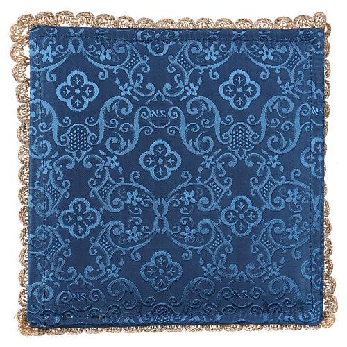 Pale pour calice agneau sur tissu damassé bleu 3