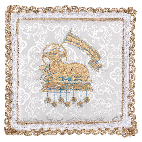 Chalice veil (pall) with lamb embroidery on white damask fabric 1