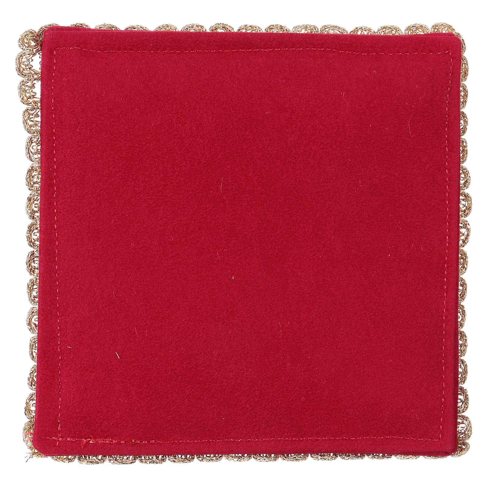 Cubre cáliz rígida con cordero tejido rojo 4