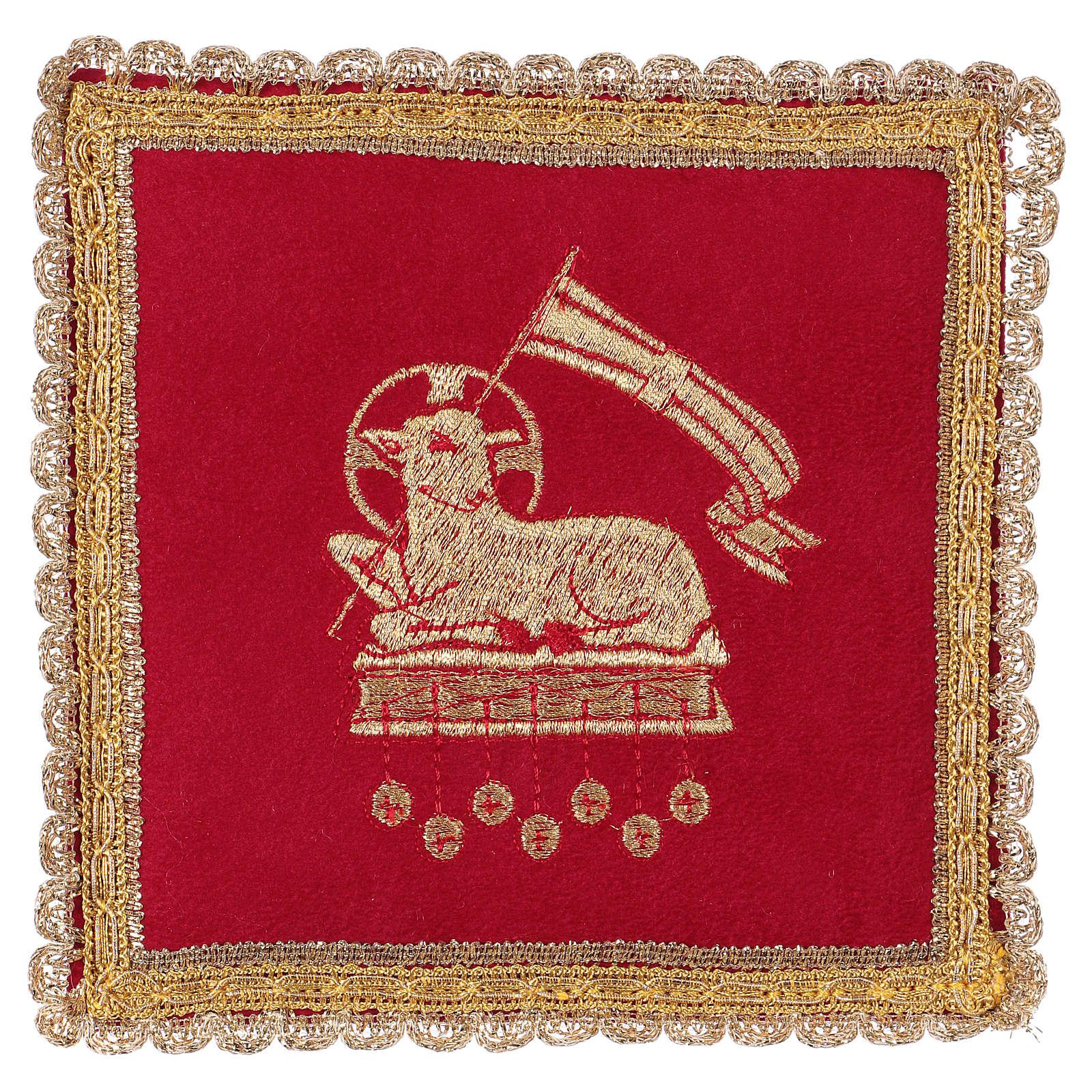 Copricalice rigido con agnello su tessuto fioccato rosso 4