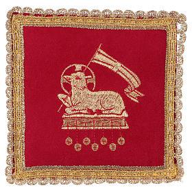 Copricalice rigido con agnello su tessuto fioccato rosso s1