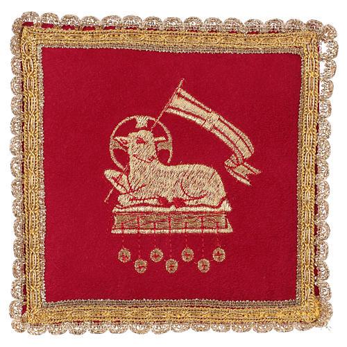 Copricalice rigido con agnello su tessuto fioccato rosso 1