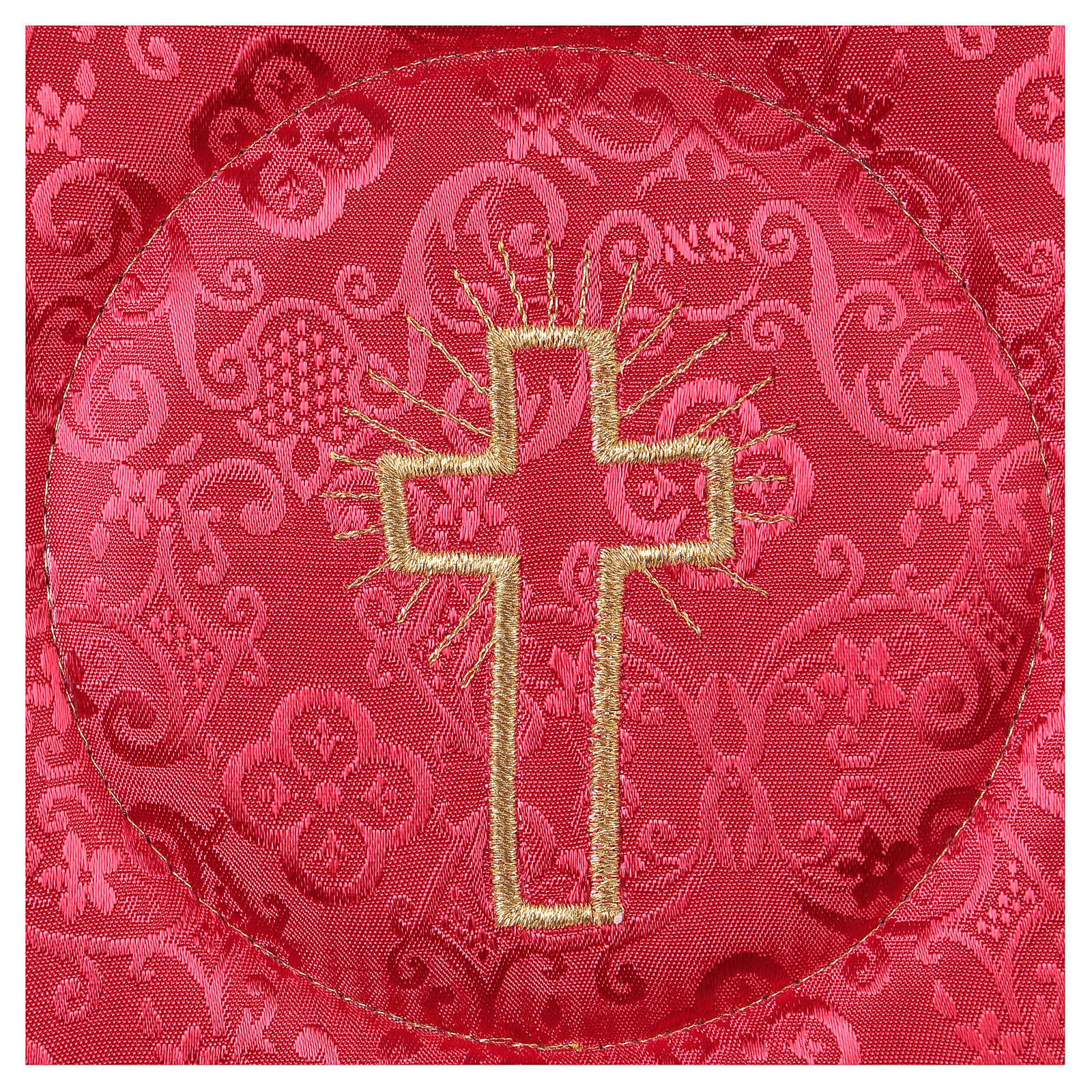 Pale rigide croix brodée sur damassé rouge 4