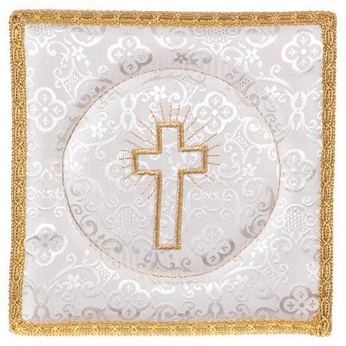 Palia cubre cáliz rígida cruz bordada en adamascado blanco 1