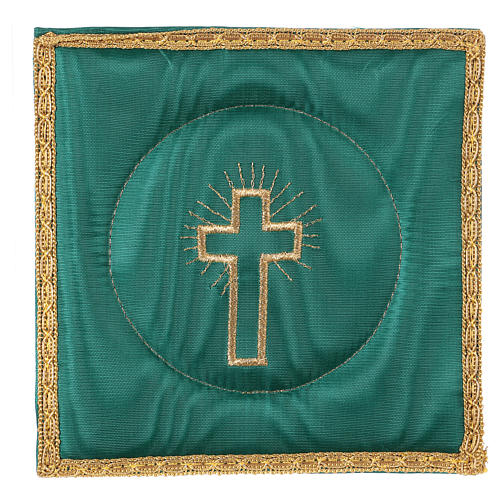 Chalice veil (pall) with cross embroidery on green brocade 1