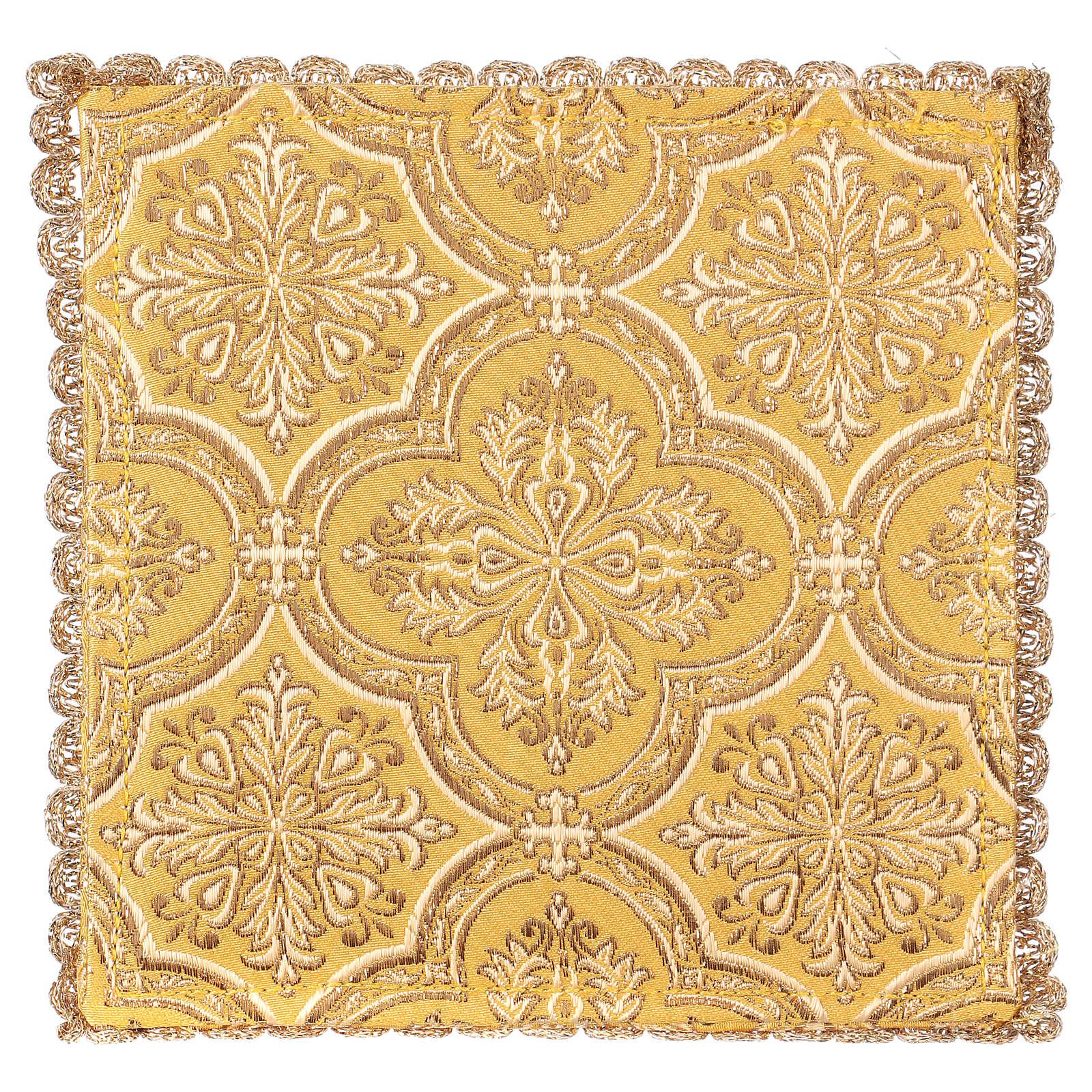 Pale pour calice motif croix sur tissu brocart jaune 4