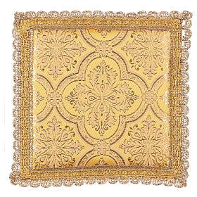 Palla copricalice motivo croce su tessuto broccato giallo s1