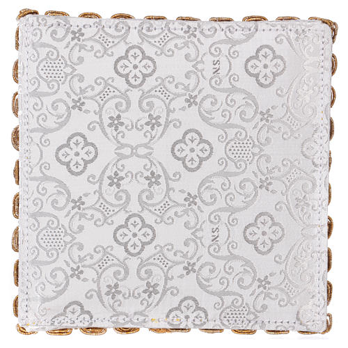 White damask chalice pall with cross embroidery 3