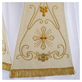 Étole blanche broderies en style ancien laine s2