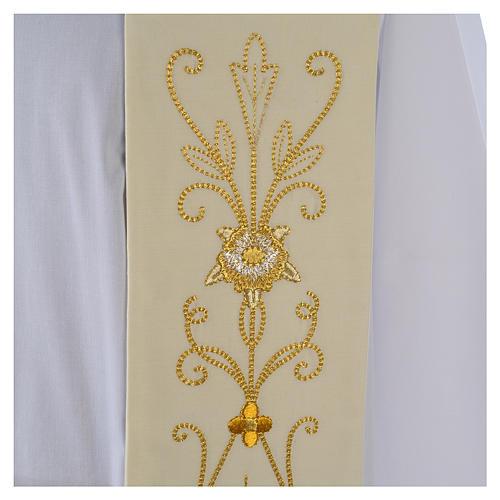 Stola bianca ricamo oro antico pura lana 3