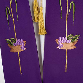 Liturgical stole with JHS, ear of wheat, grapes and host s5