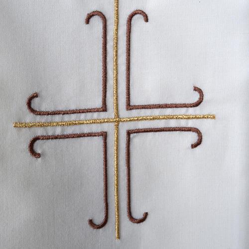 Stuła biała haftowana krzyż brązowy złoty 3
