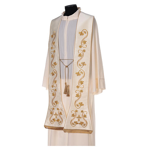 Roman stole, embroidered 5