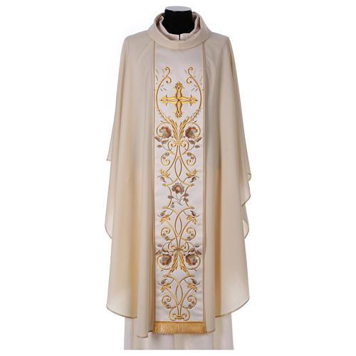 Casula color oro in pura lana ricamata direttamente sullo stolone 1
