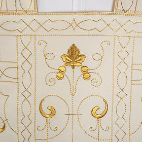 Roman chasuble with golden embroidery s2