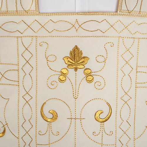 Roman chasuble with golden embroidery 2