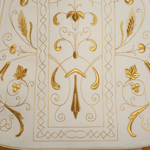 Roman chasuble with golden embroidery 3