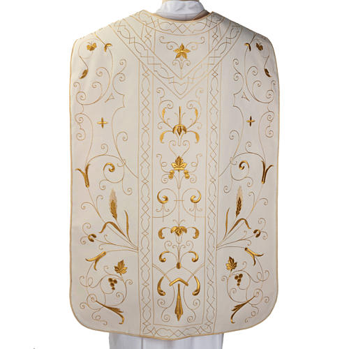 Roman chasuble with golden embroidery 5
