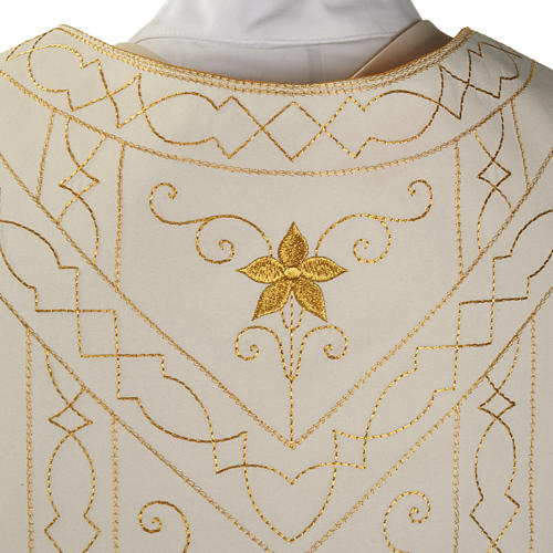 Roman chasuble with golden embroidery 6