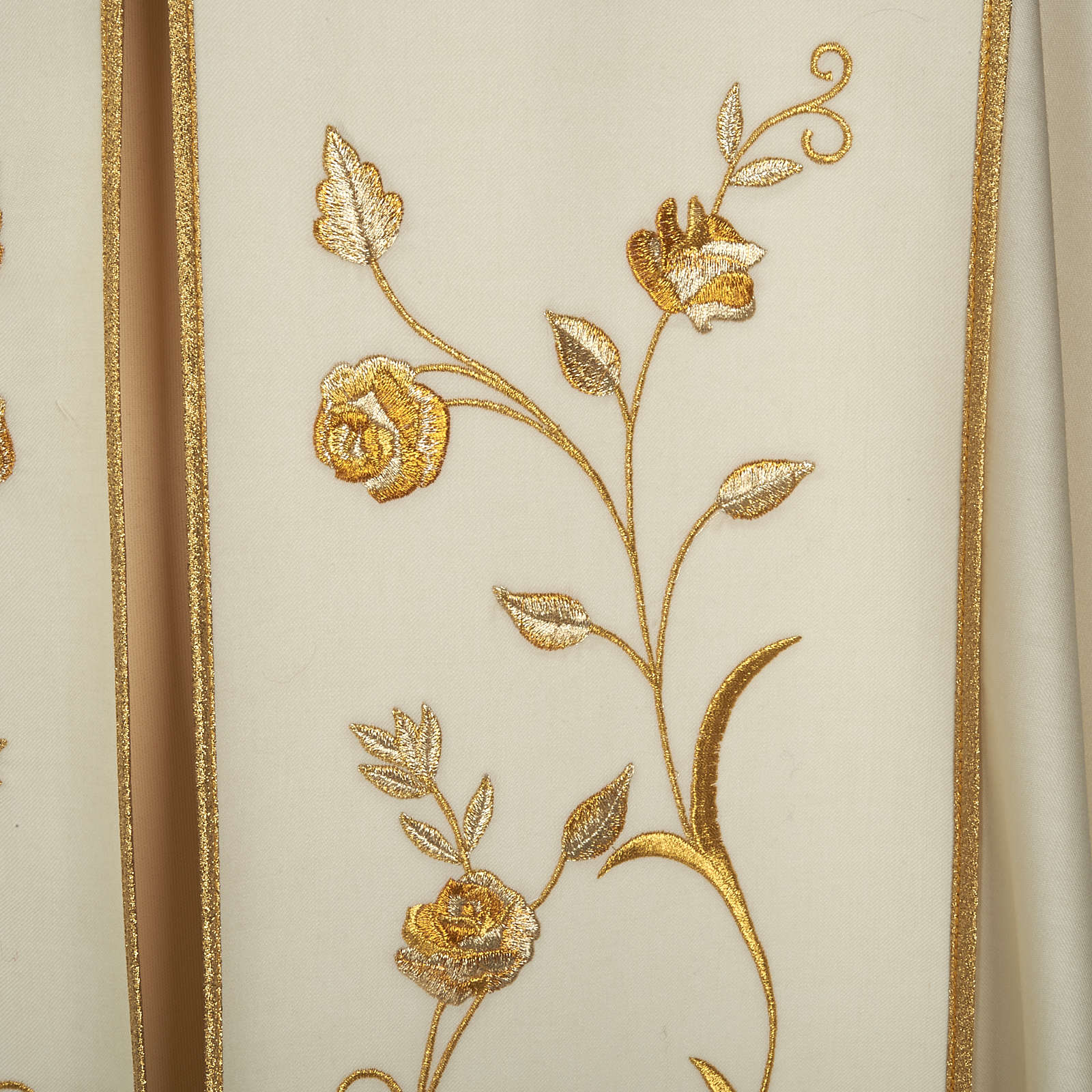 Liturgical cope with gold IHS symbol and roses embroideries 4