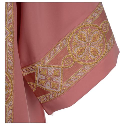 Dalmatique rose bande centrale appliquée avant tissu Vatican polyester 2