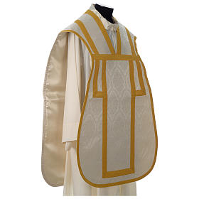 Roman chasuble in damask fabric with satin lining and golden braided edges s4