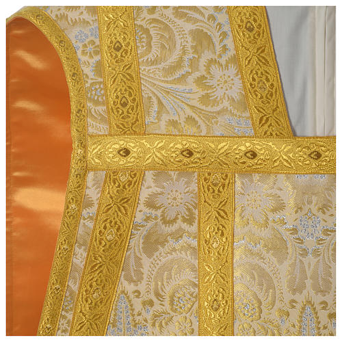 Roman chasuble in golden brocade fabric and satin lining, gold 2