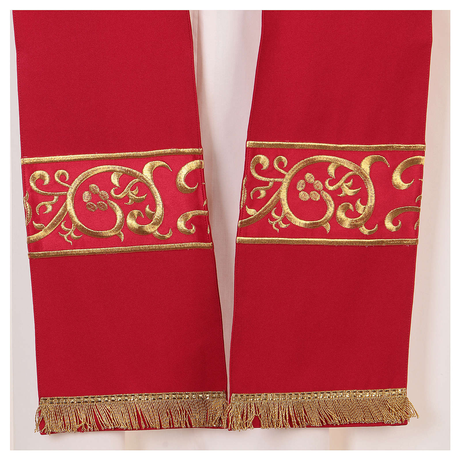 Chape décorations dorées 100% polyester 4