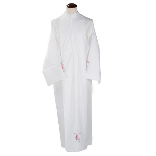 Camice bianco lana croce e lampada 1