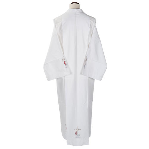 Camice bianco lana croce e lampada 3
