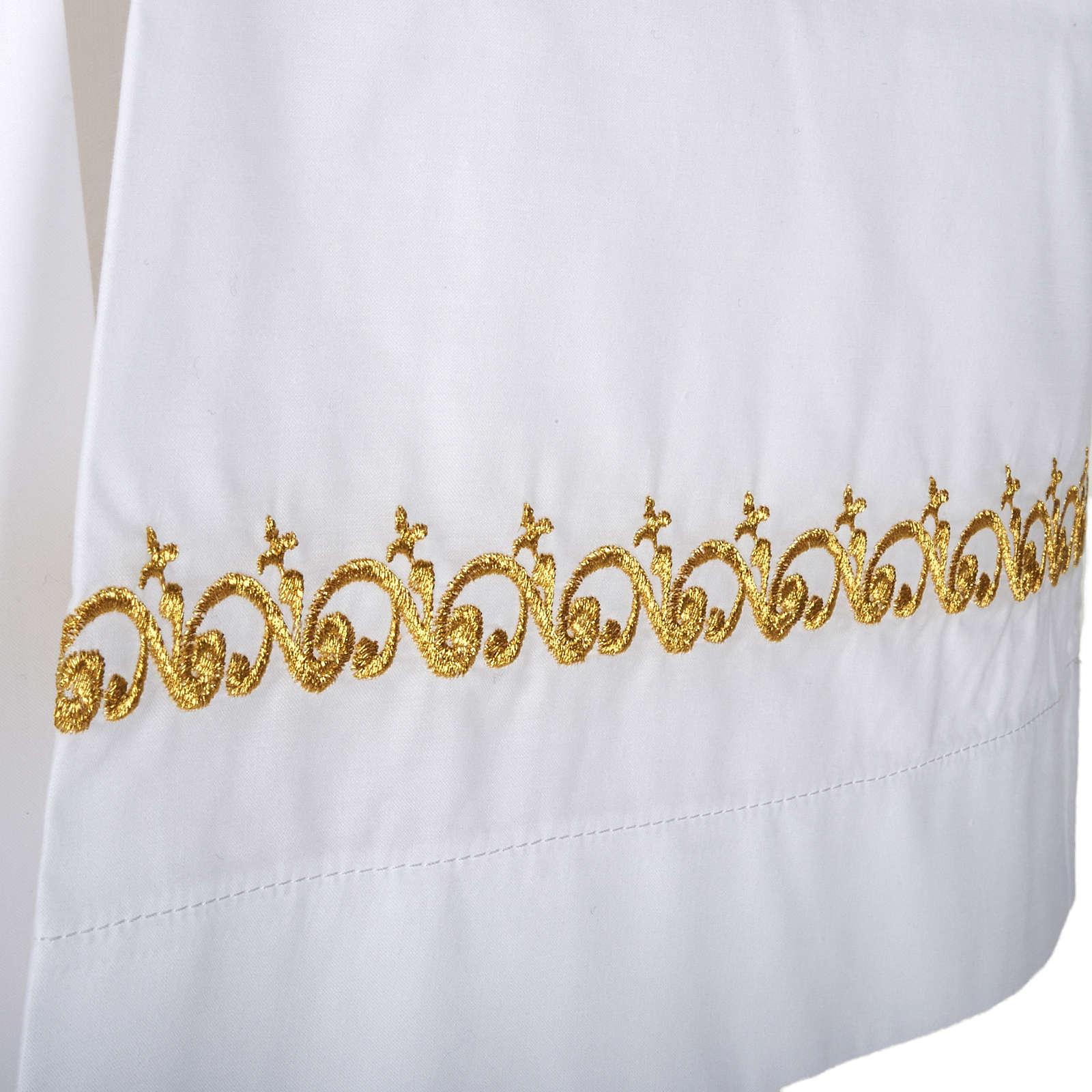Camice bianco lana decori dorati 4