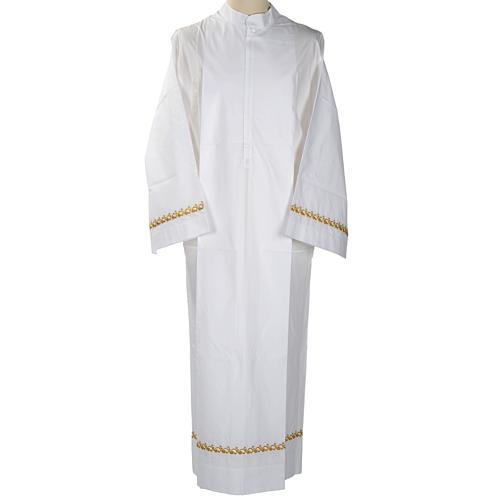Camice bianco lana decori dorati 1