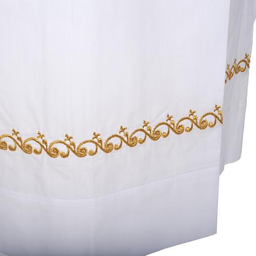 Camice bianco lana decori dorati 3