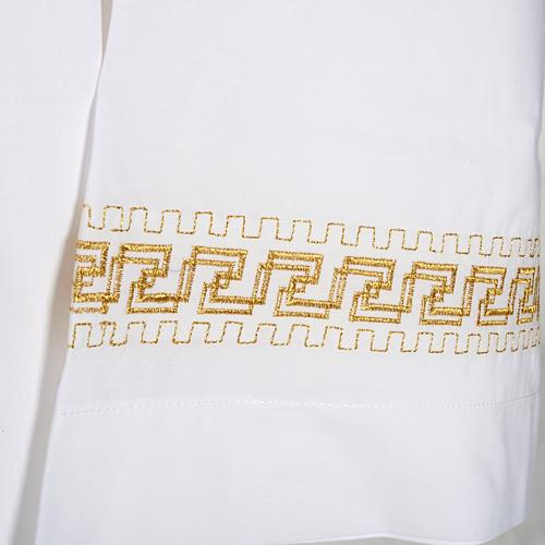 Camice bianco lana decori torciglioni dorati 2