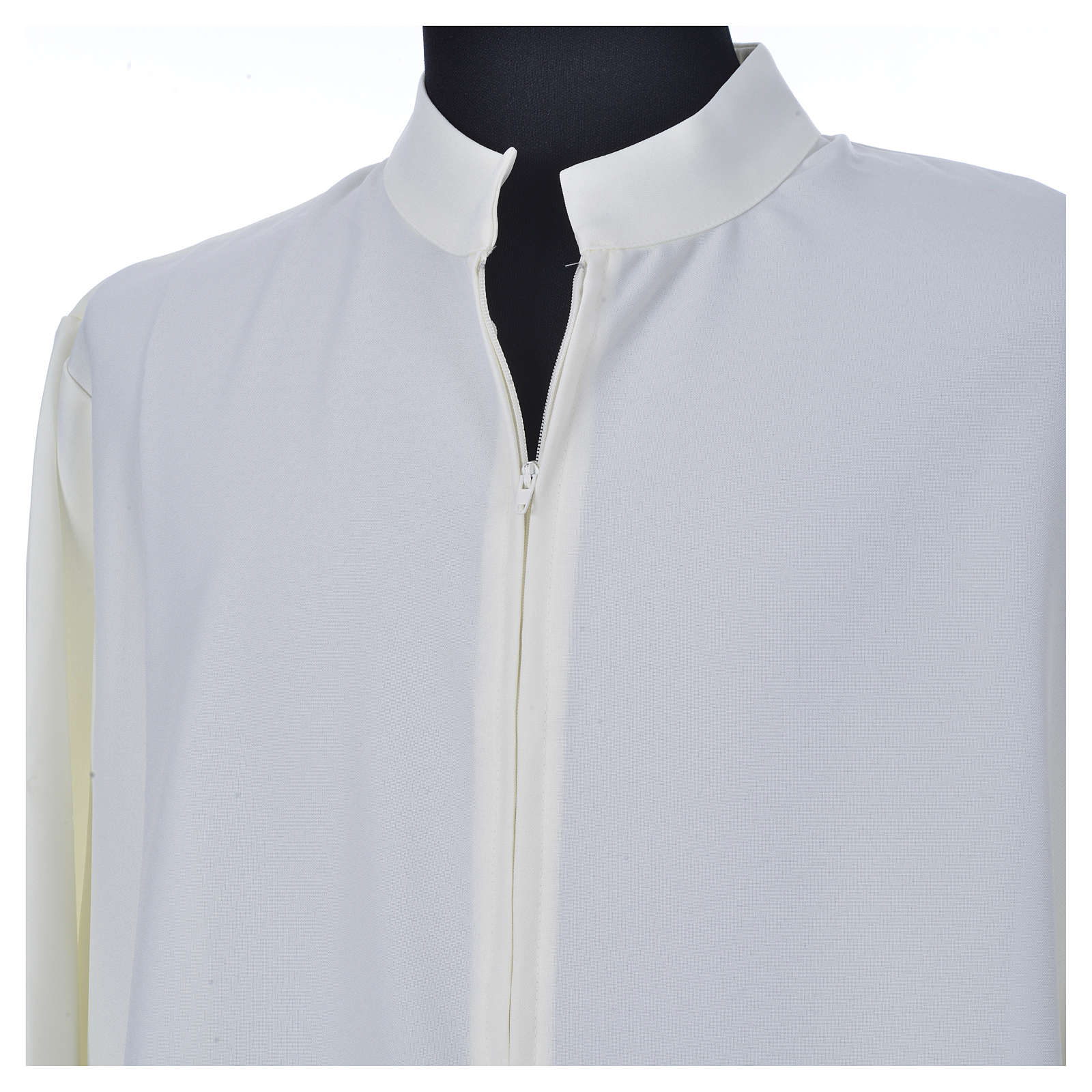 Ivory alb in 100% polyester, simple with zipper on front 4