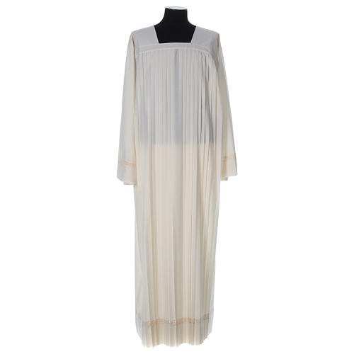 Wool Alb with pleated pattern 1