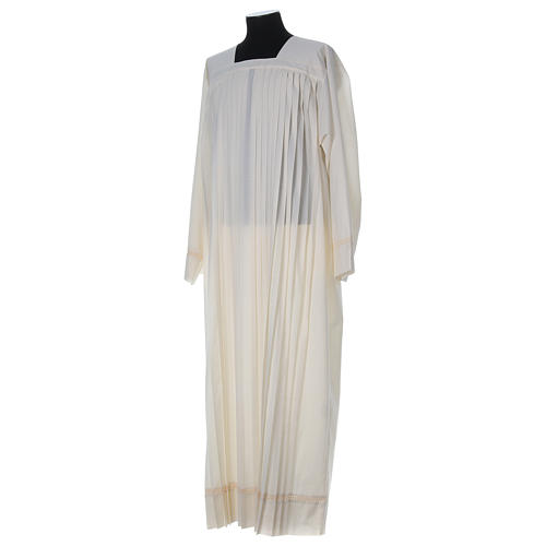 Wool Alb with pleated pattern 3