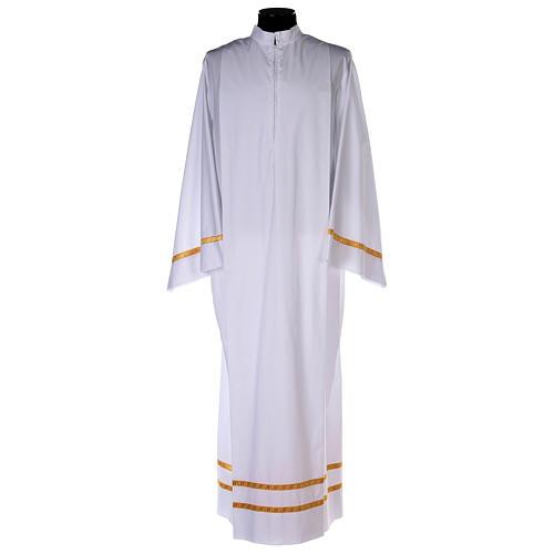 Alba blanca pliegues y orillo dorado en la parte baja y mangas algodón mixto 1