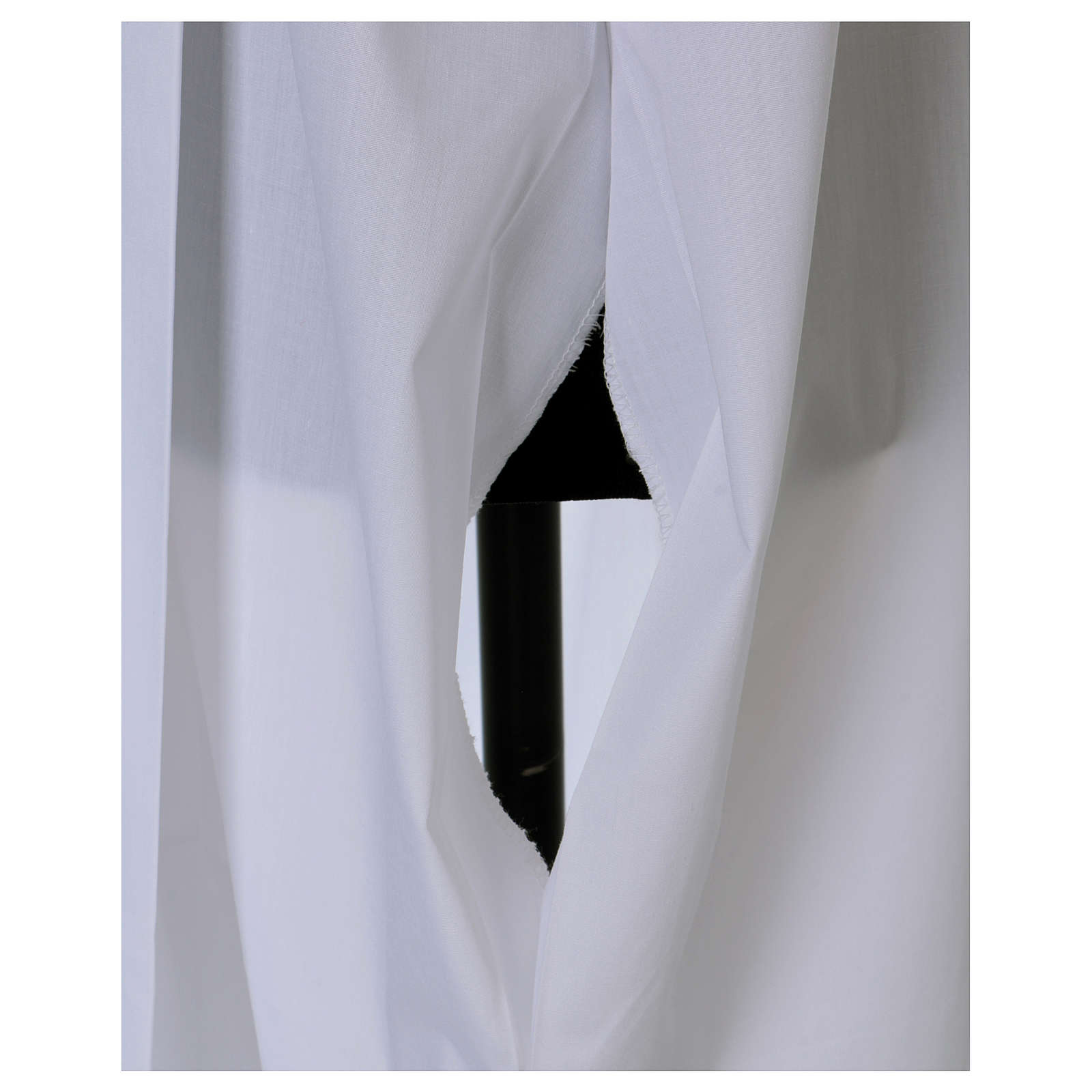 Aube avec plis et dentelle calice corps et manches 4