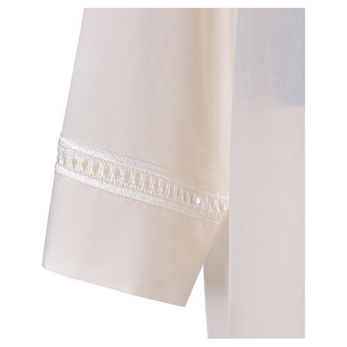 Alb with peahole stitch and shoulder zipper in ivory 65% polyester, 35% cotton 2