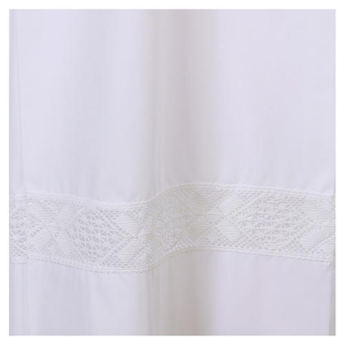 White alb 65% polyester 35% cotton with lace partition and zip on the front 2