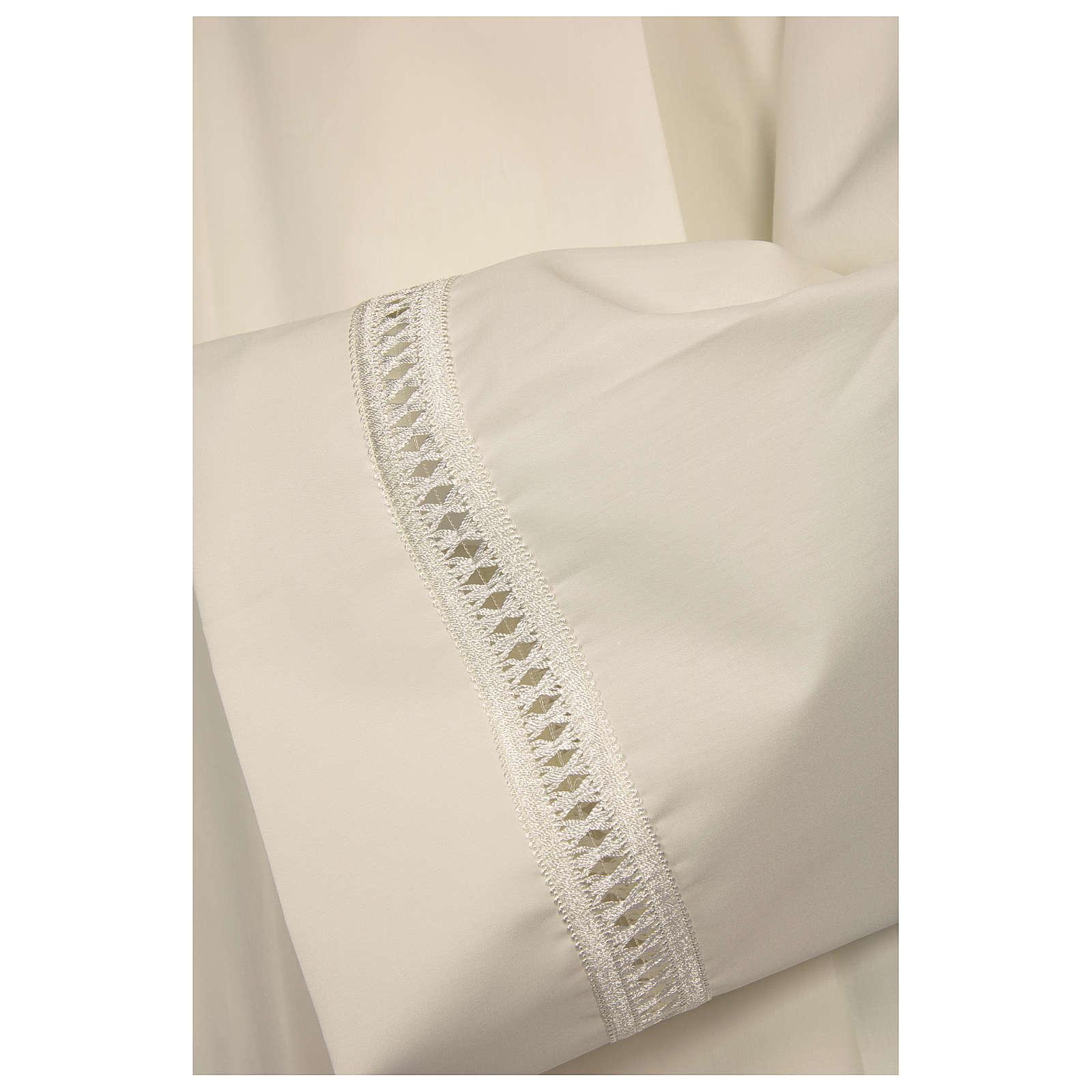 Aube 65% polyester 35% coton ivoire ourlet à jour et croix fermeture devant 4